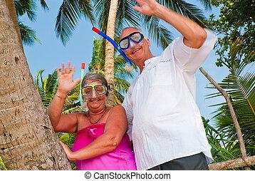 przybory, para falująca, dojrzały, snorkeling, szczęśliwy