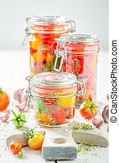 przygotowanie, dla, świeży, urżnięty, czerwone pomidory, w, lato