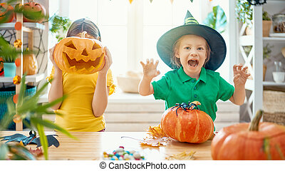 przygotowując, halloween, rodzina