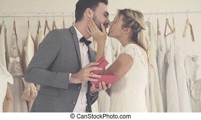 przygotowywać, szambelan królewski, szczęśliwy, żonaty, ...