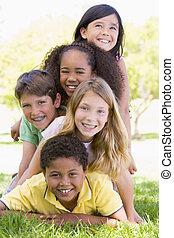 przyjaciele, młody, outdoors