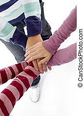 przyjaciele, połączone ręki