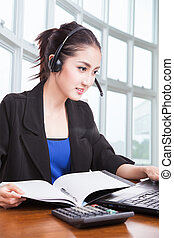 przyjacielski, asian samica, helpline, operator, z, słuchawki