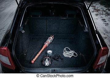 psycho, homem, instrumentos, em, aberta, tronco carro,...