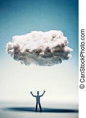 puños, posición, enojado, apretado, debajo, cloud., hombre