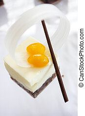 Pudding cake with sweet topping