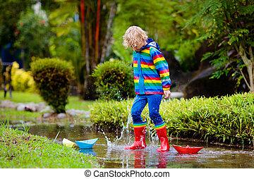 puddle., χαρτί , παιδί , rain., βάρκα , μικρόκοσμος
