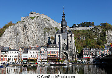 pueblo, citadelle, dama notre, centro, dinant, roca, colegiado, iglesia, río, meuse