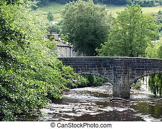 puente, árboles, hebden, oeste, pueblo, rodeado, histórico, packhorse, vista, yorkshire, verano
