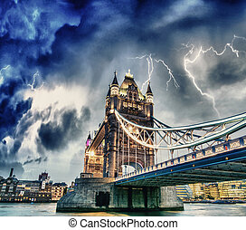 puente, cielo, encima, -, dramático, thames, londres, torre, río