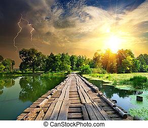 puente de madera, encima, relámpago