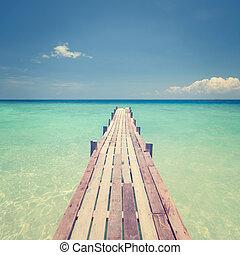 puente de madera, hacia, mar