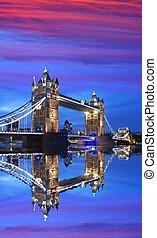 puente de torre, en, el, tarde, londres, inglaterra