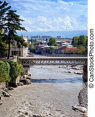 puente, kutaisi