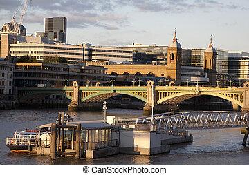 puente, southwark, calle cañón, thames, estación, londres, ferrocarril, río