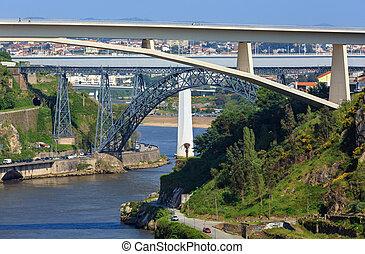 puentes, en, porto, portugal.
