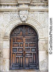 puerta principal, alamo's