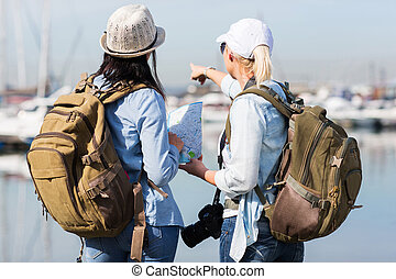 puerto, dos, hembra, turistas