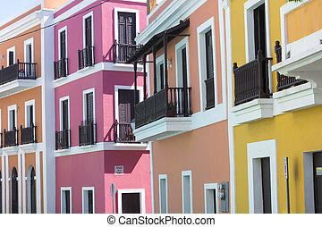 Puerto Rico architecture - Beautiful buildings in Old San...
