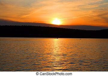 puesta sol roja, en, lago