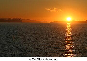 puesta sol roja
