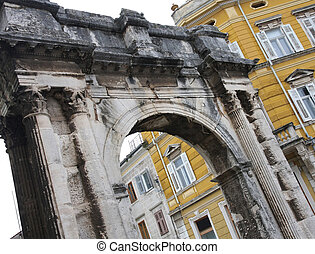 Pula, Croatia - Pula - Arch of Sergius ( Roman gate ) in ...