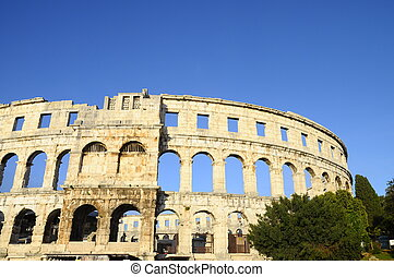 Pula arena in Croatia - Pula arean : Roman amphitheatre in ...