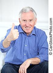 pulgar up, anciano, retrato, hombre sonriente