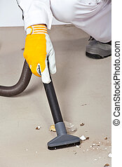 pulizia, pavimento cemento, con, aspirapolvere