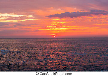 pulserende, hen, atlantisk, solopgang, havet