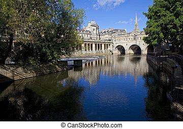 Pulteney Bridge and the River Avon