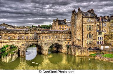 Pulteney Bridge over the River Avon in Bath, England