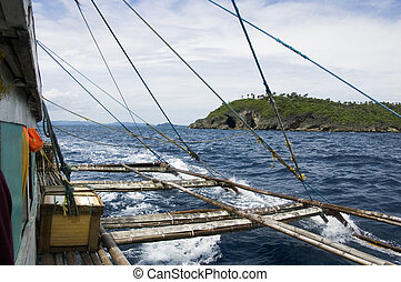 Pump boat and Philippines island - View fof lateral support ...
