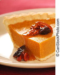 Pumpkin pie with caramel sauce