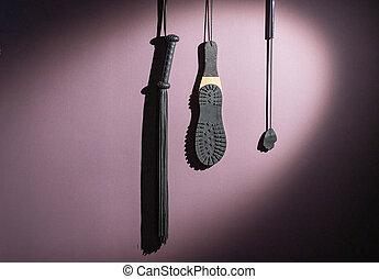 punition, équipement, wall., room., collection, semelle, mèches, bdsm, divers, sexuel, cuir, pendre, games., role-playing, plaisirs, frange, sexe, fessée