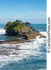 Pura Tanah Lot hindu temple, Bali island, indonesia
