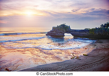 Pura Tanah Lot Temple - Pura Batu Bolong - small hindu ...