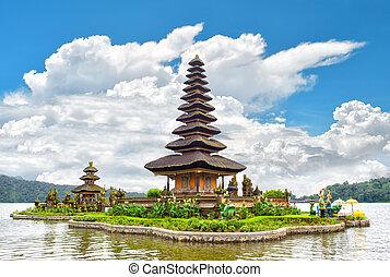 Pura Ulun Danu Bratan, Hindu temple Bali Indonesia