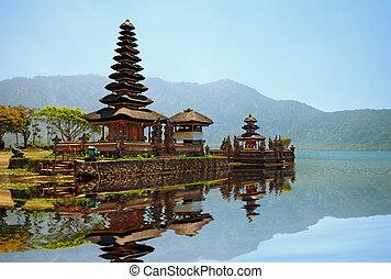 Pura Ulun Danu Bratan hindu temple