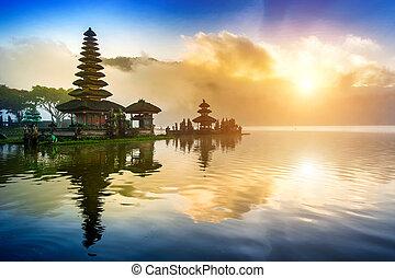 pura ulun danu, bratan, templo, en, bali, indonesia.