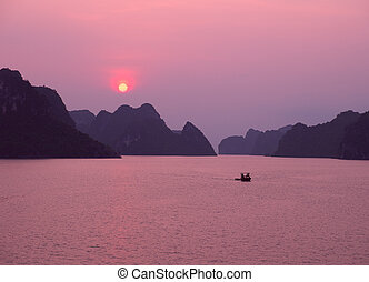 Purple sunset in Halong Bay