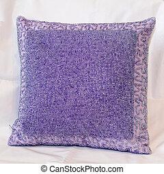 purpurowa poduszka