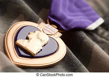 purpurowe serce, wojna, medal, na, kamuflaż, tworzywo