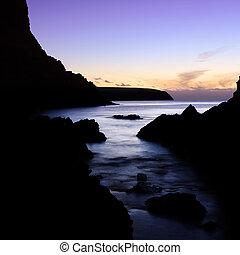 purpurowy zachód słońca
