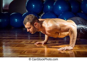 push-ups, palestra, uomo