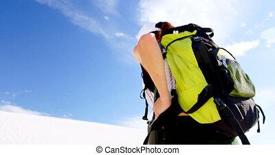 pustynia, pieszy, plecak, 4k, kobieta