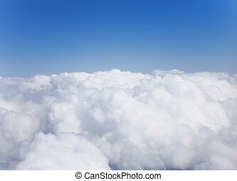 puszysty, biały, cumulusowe chmury, przeciw, przedimek określony przed rzeczownikami, niebo