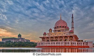 Putra Mosque, Putrajaya, Malaysia - Putra mosque with the ...