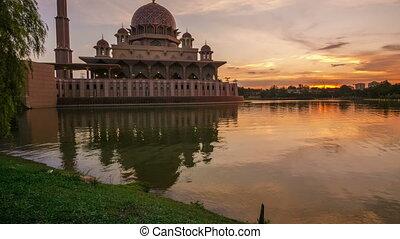 Putra Mosque, Putrajaya Malaysia - Timelapse of beautiful...