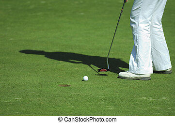 putt on golf course